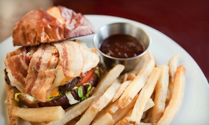 Muldoon's - Wheaton: $15 for $30 Worth of Irish-Inspired Pub Food and Drinks at Muldoon's