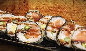 Makitake Huertas: Bandeja de 40 piezas de sushi para 2 con entrante y bebida en local, para llevar o a domicilio desde 19,95 € en Makitake