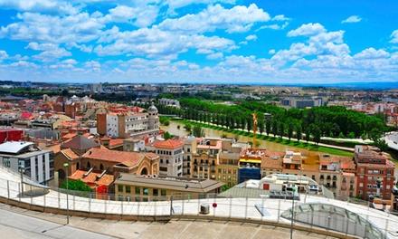 Lleida: estancia para 2 personas con desayuno, detalle de bienvenida y late check-out en Hotel Oyo Can Peixan