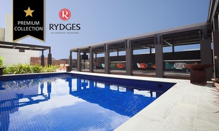 Melbourne, CBD: Up to 3 Nights for Two with Breakfast, Drinks, Wine and Late Check-Out at 4.5* Rydges on Swanston