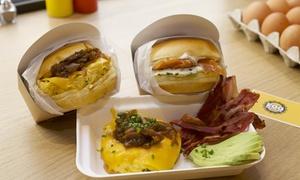 Egg Factory: Buns ou salade au choix avec frites maison et dessert pour 2 personnes à 19,90 € au restaurant Egg Factory