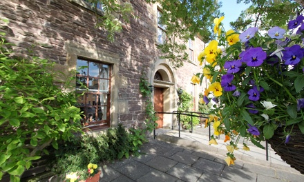 Stirling: 12 Nights for Two with Breakfast and Option for Dinner or Bottle of Fizz at Old Churches House