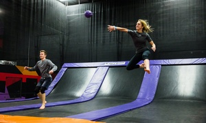 iSaute Brossard: 2- or 3-Hour Access with Club Saute for One or Two at the iSaute Trampoline Centre (Up to 42% Off); Opens on December 17