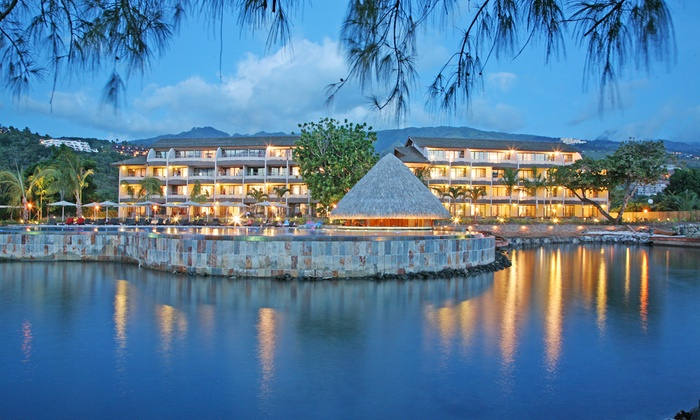 8-Day Tahiti and Mo'orea Vacation with Airfare from Pacific Holidays