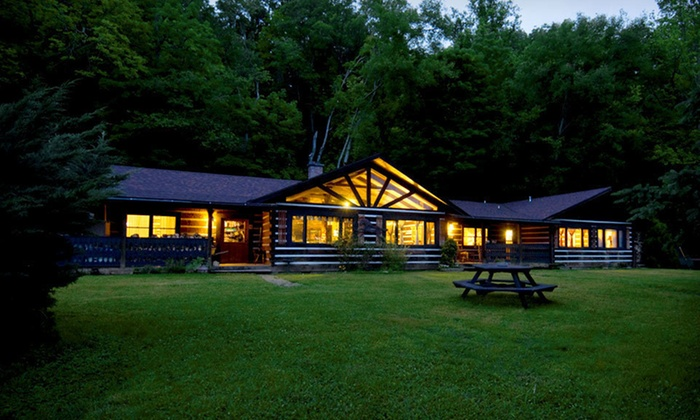 Creekwalk Inn - Great Smoky Mountains, TN: One-or Two-Night Stay in a Room or Honeymoon Cabin at Creekwalk Inn and Cabins in Cosby, TN