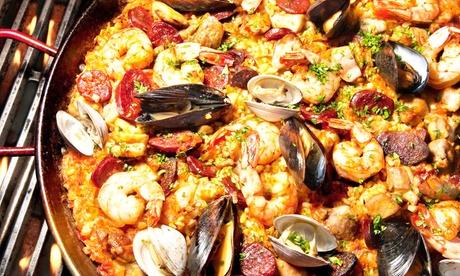 Edel-Paella nach Wahl inkl. Dessert für zwei oder vier Personen bei La Bodega (bis zu 52% sparen*)