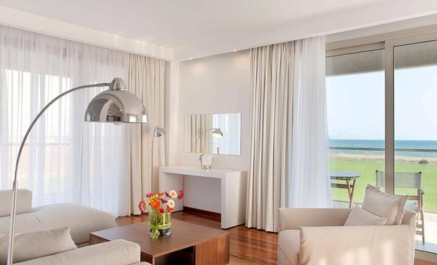 Buca beach resort a kalamata groupon getaways for Groupon soggiorni