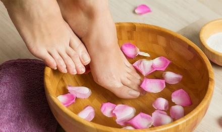 Beauté des mains et des pieds avec pose de vernis semi permanent dès 19,99 € à linstitut Shine Hair et Beauty
