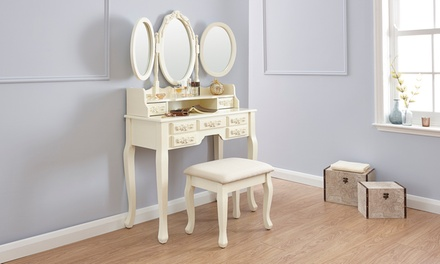 vintage-style-dressing-table-sets