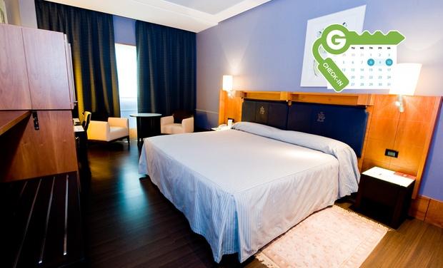 Gran Hotel Lakua 5* - Vitoria-Gasteiz: Vitoria: estancia para 2 en habitación o suite con desayuno, detalle, parking y opción a cena en Gran Hotel Lakua 5*