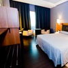 Vitoria-Gasteiz: habitación 5* a elegir con desayuno y parking