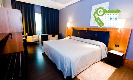 Vitoria: estancia para 2 en habitación o suite con desayuno, detalle, parking y opción a cena en Gran Hotel Lakua 5*