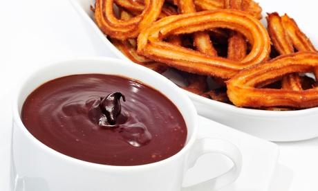 2 o 4 tazas grandes de chocolate con 10 o 20 churros desde 5,95 € en Pizzería Desi Café & Churros