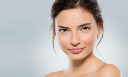 Consulta personal de la piel y tratamiento facial antienvejecimiento con opción a kobido desde 14,95 € en Aevum Natura