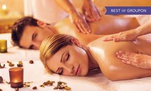 Goldmassage in Mitte: 60 Minuten Paarmassage mit Goldöl inkl. Champagner oder Tee in der Praxis GoldSpa am Hackeschen Markt (50% sparen*)