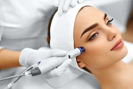 Beautystudio Elena: Mikrodermabrasion, optional mit Ultraschall, oder Microcurrent Fase Lift im Beautystudio Elena (bis zu 60% sparen*)