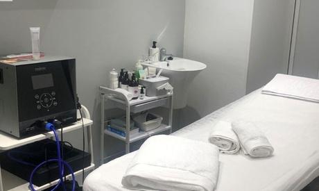 Higiene facial con opción a microdermoabrasión y/o tratamiento específico en Gooru Beauty Marbella