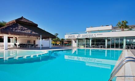 Valencia: estancia para 2 personas con desayuno y detalle de bienvenida en Hotel Els Arenals 4*
