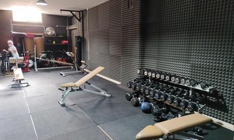 Uno o 3 mesi palestra open o 3 lezioni con personal trainer in palestra Sanchez Fitness (sconto fino a 68