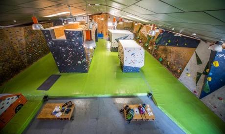 Primer contacto con la escalada para 1 o 2 personas desde 19,90 € en The Climb