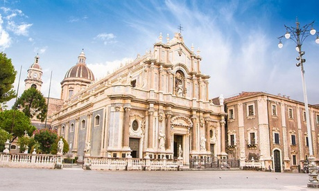 Catania: soggiorno con colazione o mezza pensione e Spa per 2 persone al Grand Hotel Baia Verde 4*