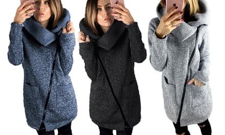 Sweater mit Reißverschlussund großem Kragen in der Farbe und Größe nach Wahl (Frankfurt)