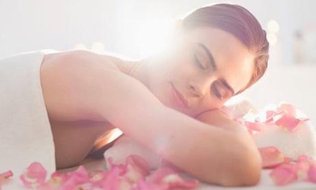 Uno o 3 massaggi relax, californaiani, linfodrenanti e sportivi da 45 minuti all'ASD Shambry (sconto fino a 78%)