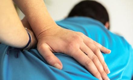 Tratamiento quiropráctico con 1 o 2 ajustes quiroprácticos y 2 o 3 visitas desde 19 € en Centro Óptima Quiropráctico