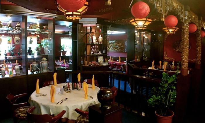 """Sichuan Gourmet - Sichuan Gourmet: 3-Gänge-Menü mit """"Make your own Sushi""""-Vorspeise für 2 Personen bei Sichuan Gourmet (53% sparen*)"""