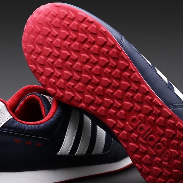 113 zł zamiast 129 zł: sportowe buty Adidas Switch w kolorze granatowym ???8 rozmiarów