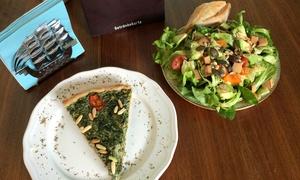 Café Hibiskus: Veganes 2-Gänge-Menü mit Salat und Quiche für Zwei oder Vier im Café Hibiskus (bis zu 34% sparen*)