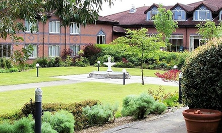 Northamptonshire: Double Room with Breakfast, Leisure and Option for Dinner at 4* Mercure Daventry Court Hotel
