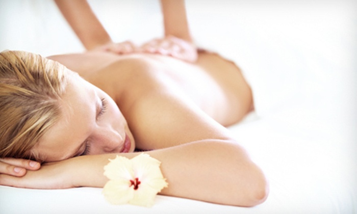 Pollack Clinic - Deerfield: $29 for a 60-Minute Therapeutic Massage at Pollack Clinic ($80 Value)