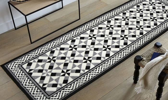 Tapis imitation carreaux de ciment groupon shopping for Tapis cuisine imitation carreaux de ciment