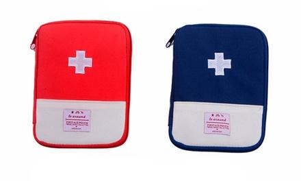 Portamedicamentos de viaje en color azul o rojo por 5,99 € (76% de descuento)