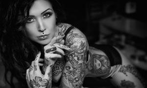 Studio Simple & Chic Tattoo: Wykonanie pełnego tatuażu 5x5 cm od 79,99 zł i więcej opcji w Studiu Simple & Chic Tattoo