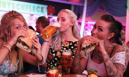 After-Work-Party mit Live-Musik, Burger nach Wahl und Bier im Erdbeerclub Berlin (bis zu 63% sparen*)