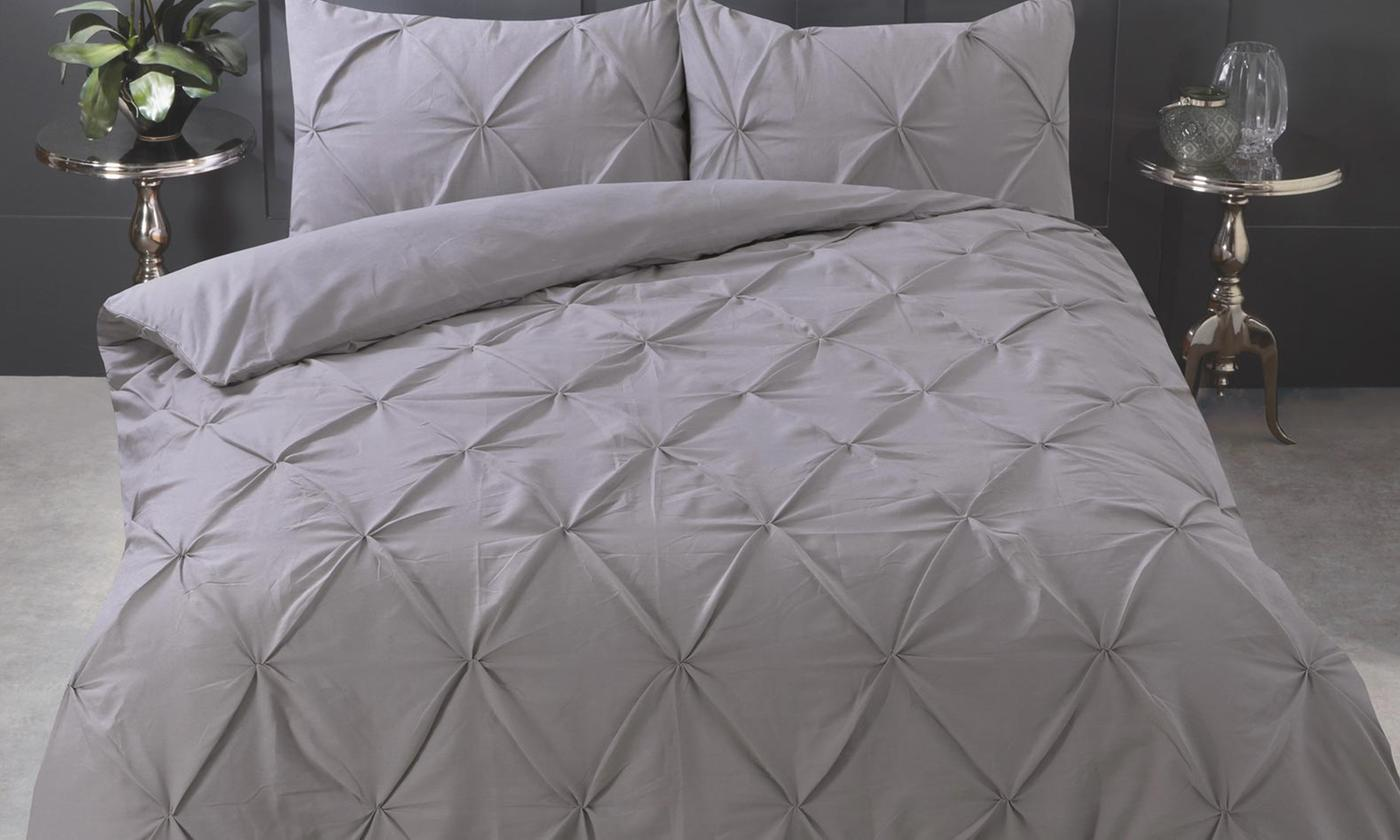 Diamond Pinch Pleat Duvet Set