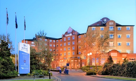 Kent: Queen Room with Breakfast, Leisure and Option for Tea and Dinner at 4* DoubleTree by Hilton Dartford Bridge