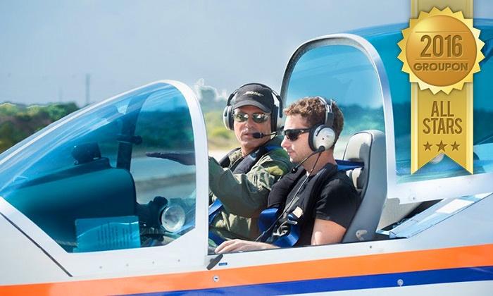 איי פליי-טיסות אתגריות - Ifliy- טיסות אתגריות: טייס ליום אחד: הטסת מטוס עצמאית בליווי מדריך ב-499 ₪ בלבד! אופציה להוספת צילום וידאו HD