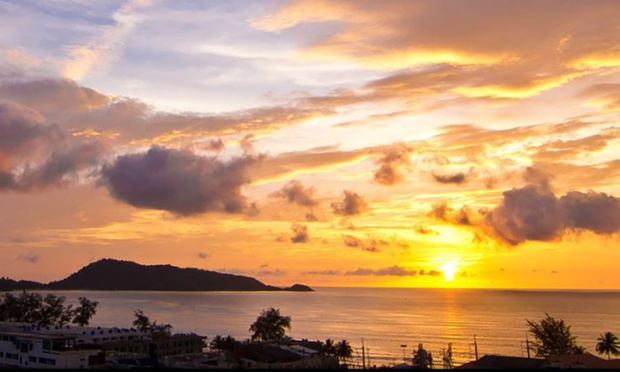 Phuket: 4* Beach Resort + Flights 6