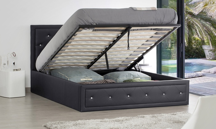 lit coffre strass avec ou sans matelas groupon shopping. Black Bedroom Furniture Sets. Home Design Ideas