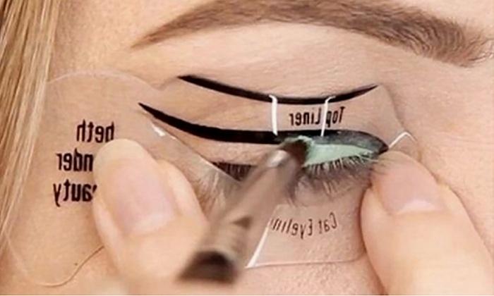 Set stencil eyeliner