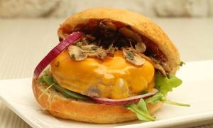 Les Frenchys: Un burger avec french frites ou salade et une boisson pour 2 personnes à 22 € chez Les Frenchys