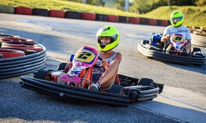 Formula X - Karting Costanera: Desde $115 por 10 o 15 vueltas en karting para 1 o 3 personas en Fórmula X - Karting Costanera