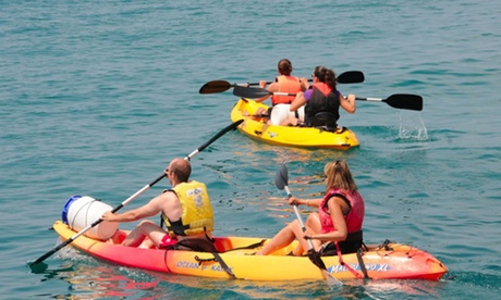 Kayak banana o paddle surf para 2, 4 o 6 personas durante 60 minutos desde 19,90 € con WakeA