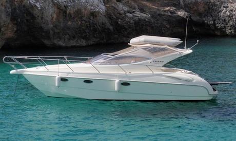 Paseo privado en barco para hasta 9 personas con cava y opción a degustación de sushi desde 149 € con Mallorca en Barco