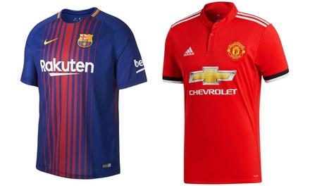 Nike Herren FC Barcelona Trikot oder Adidas Manchester United Trikot (54,95 €)