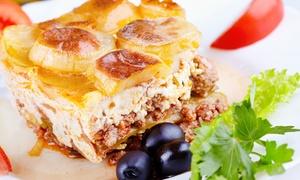 Mythos: Menu greco di 3 o 4 portate con antipasto, specialità della casa, dolce e vino per 2 o 4 persone al Mythos (sconto 59%)