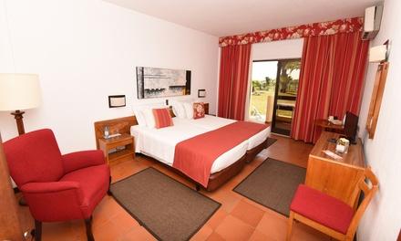 Algarve: 1, 2 o 3 noches para 2 en habitación doble con desayuno y opción a media pensión